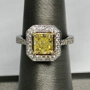 Square diamond with square band with rounded corners