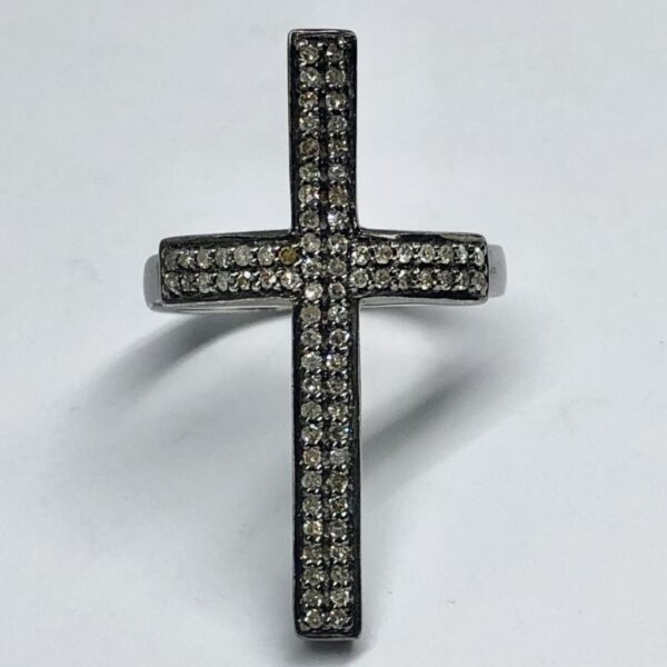 Cross ring with small diamonds