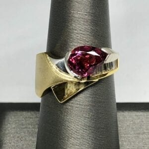 Pink tourmaline, diamond ring, 18kt, platinum