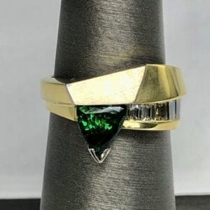 Green tourmaline, diamonds, 18kt, platinum